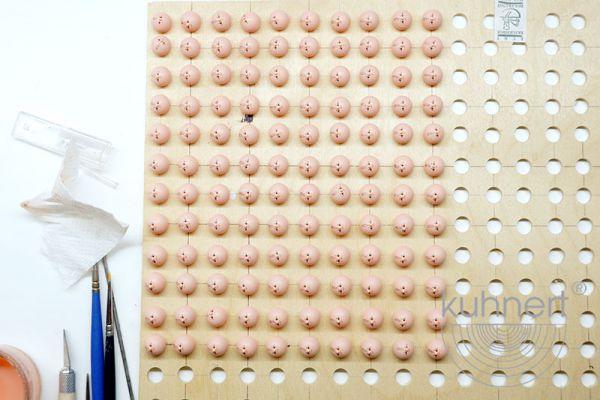 drechslerei-kuhnert-sortiment-schneefloeckchen-koepfe-produktion6D961604C-537A-5DBB-D6E7-5565794ED8DA.jpg